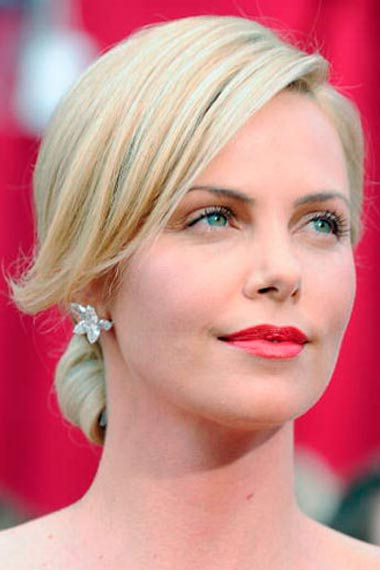 Bangs Charlize Theron