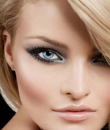 Makeup Styles on How To Get Smokey Eyes Make     Up Quickly