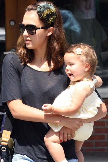 Jessica Alba and her daughter