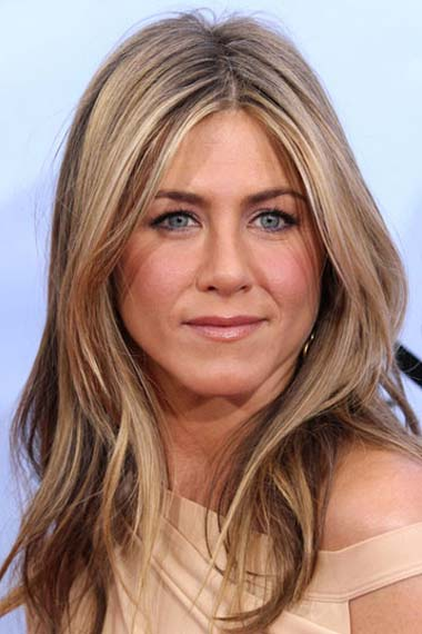 Jennifer Aniston Long Wavy Tousled