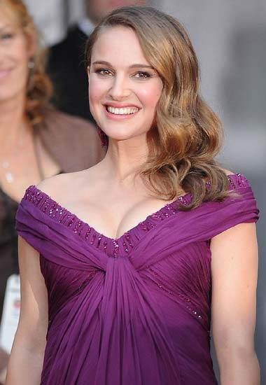 natalie portman light brown hair. Natalie Portman