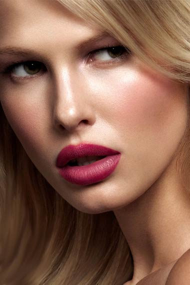 Picking the Right Makeup as per Hair Color - Beauty Creams