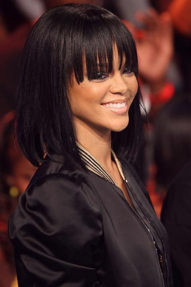 Rihanna in medium length haircut