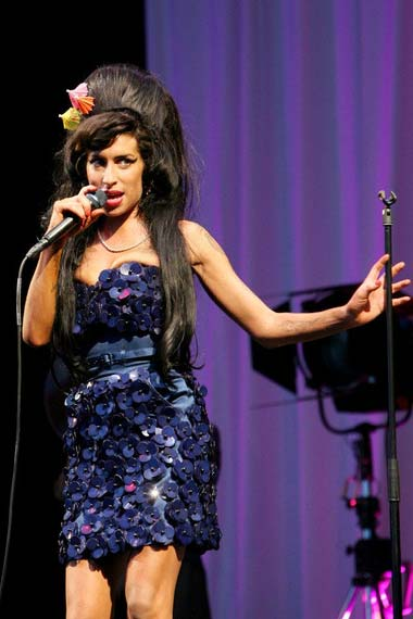 Amy Winehouse on the mike