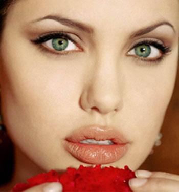 Lips like Angelina Jolie