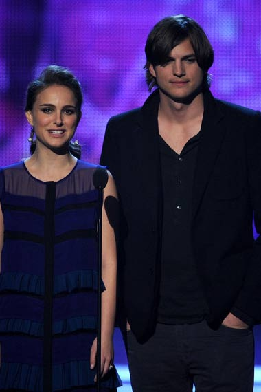 Natalie and Ashton at Teen Choice awards