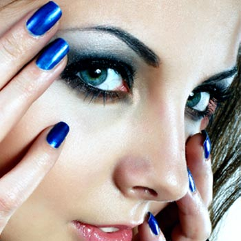 Enhance Your Beauty and Charm with Beautiful Eyelashes and Eyebrows