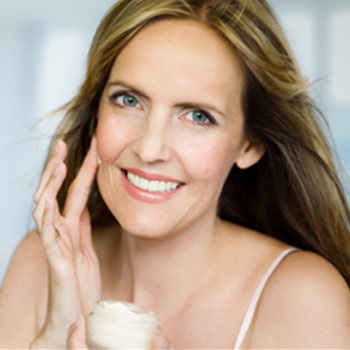 How to Pick the Best Anti Aging Cream for Women