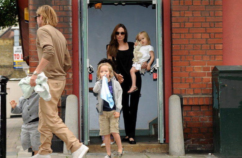 Angelina Jolie & Brad Pitt With Kids To See 'The Smurfs'