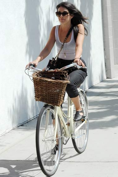 Cycling: Celebrities' Fashionable Way of Keeping Fit