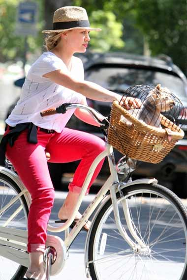 Hillary Duff - Celebrities Cycling