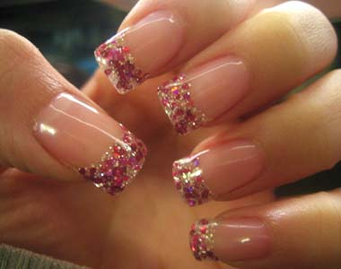 Glittery nail designs nail trends nail trends prinsesfo Image collections