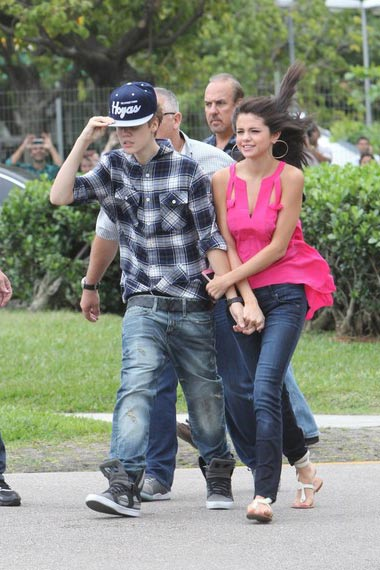 Justin Bieber and Selena Gomez: Romantic Helicopter Ride