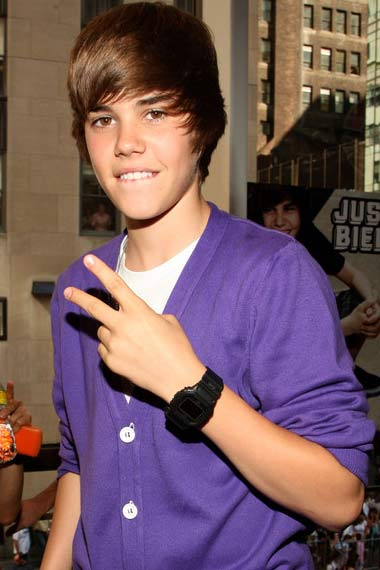 Justin bieber currently dating