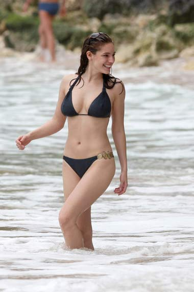 Actress Kelly Brook in bikini