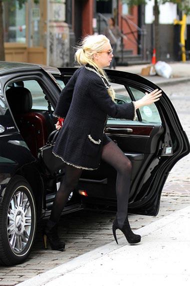 Lindsay Lohan bold heels