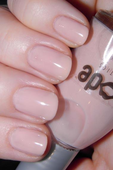 Natural Bright Nail Colors for fall 2012