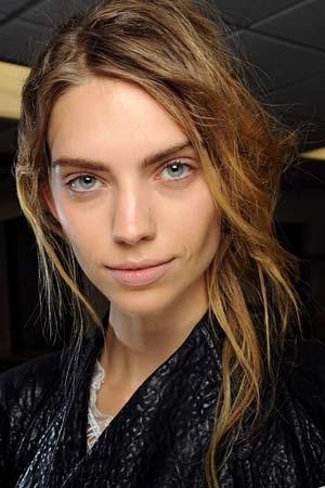 natural makeup trend