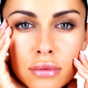 How to Plump Lips without Risky Injections