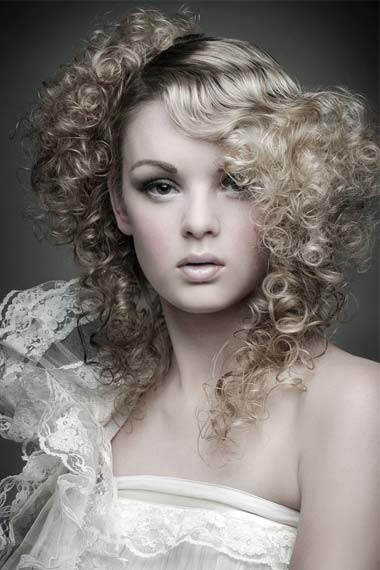Cute Curly Hairstyle