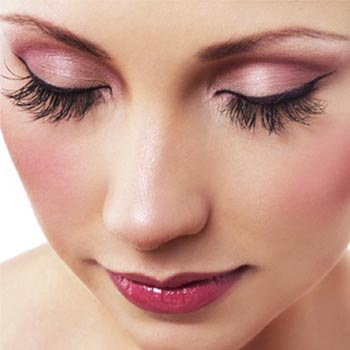 4 Tips on How to Get Thicker, Longer, Fuller Eyelashes without Spending Your Savings