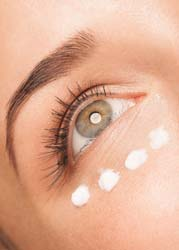 Look For Retinol And Vitamin K To Get Best Cream For Puffy Eyes
