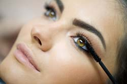Eyelash Grower – Promoting Eyelash Growth