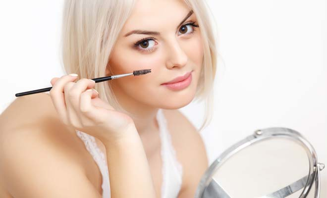 Precious Mascara Tricks for Flirty Lashes