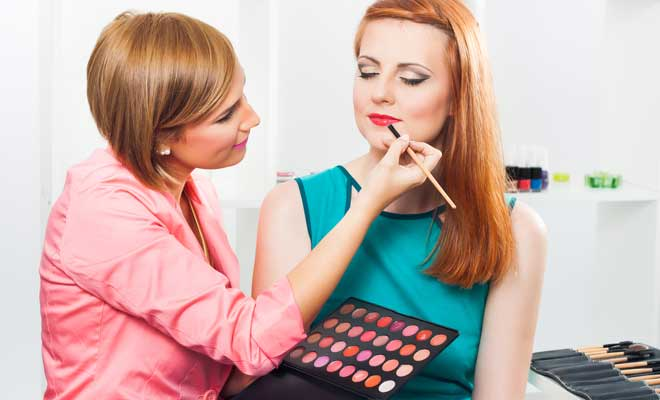 Lipstick Hacks By Make-Up Artists
