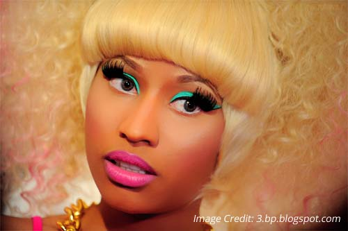 Nicki Minajs green eyeshadow