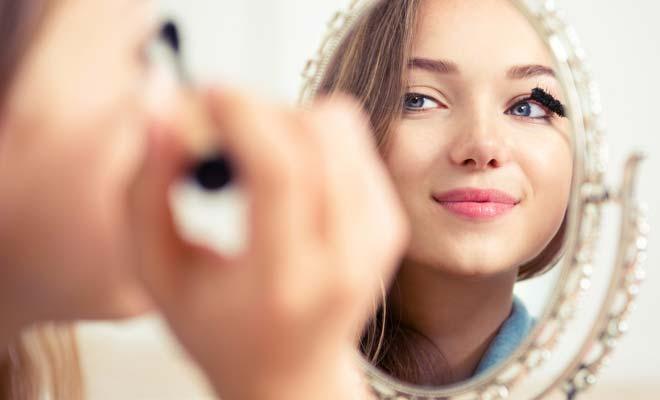 Mascara with the Eyelash