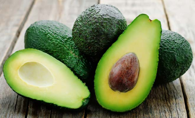 DIY avocado Face masks for Instant Glowing Skin in Minutes