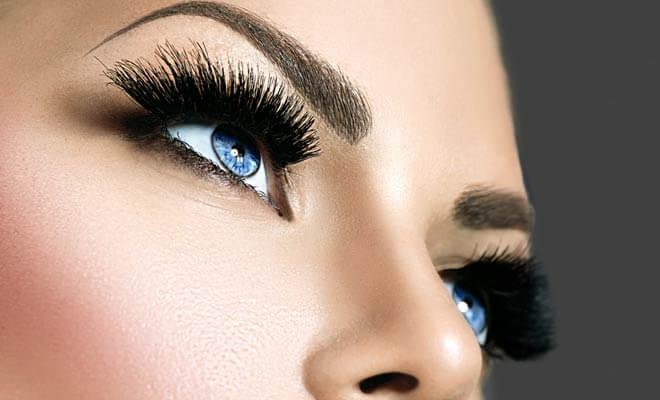 Get an Eyelash Extension