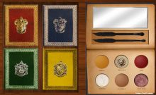 Harry Potter Makeup Palettes is the Next Must Have in Your Makeup Kit