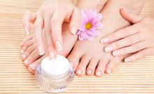 Are You Facing Dry Skin Issues on Feet? Here's what You Need To Do