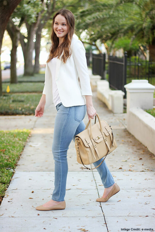 Skinny Jeans, a White Blazer And Colorful Flats