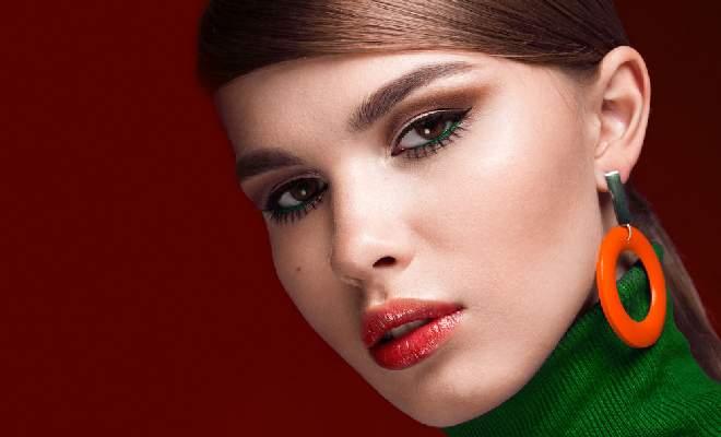 60s Twiggy Eyelashes Makeup