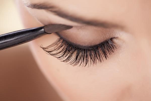 Eyeshadow Application for Twiggy eyes