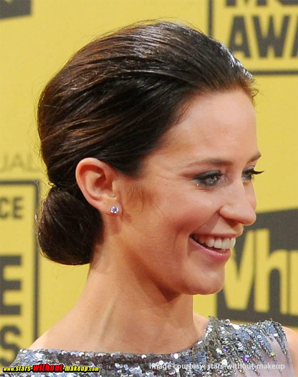 Sophisticated Low Chignon Updo to dazzle at Christmas Party