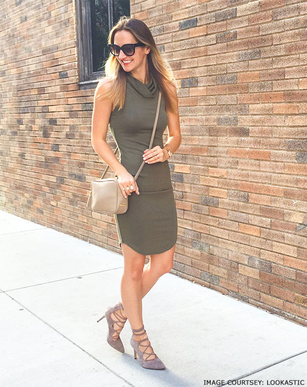Opt for bodycon dress for an effortless kind of elegance with crossbody bags