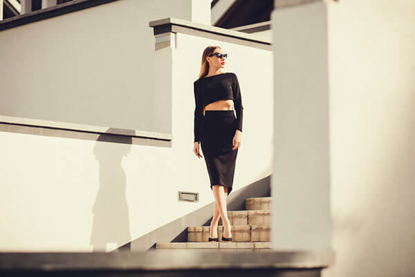 Elegant Black Pencil Skirt That You Can Be Wear To Get a Casual Look
