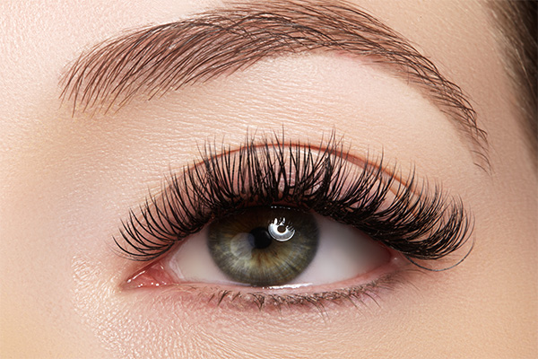 Mascara-primer-for-voluminous-lashes